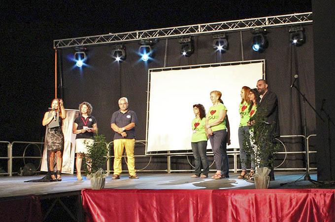 """L'intervento dei volontari della LILT di Belpasso nel corso della serata """"Arte Moda Spettacolo 2015"""""""