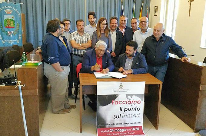 La firma del protocollo d'intesa fra la Lilt e il Comune di Santa Venerina