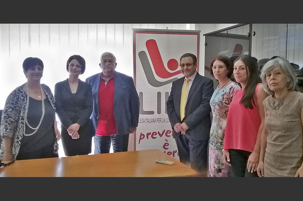 Da sinistra: dott.ssa Grazia Maria Villari, Rosaria Di Malta, dott. Carlo Romano, dott. Salvatore Scala, Larissa Castiglia, Roberta Benanti, dott.ssa Anna Maria Sapienza